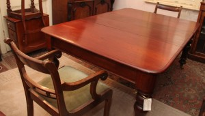 Cedar Two leaves extension table b